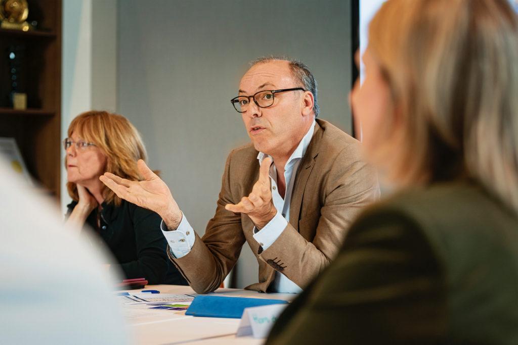 via dialoog betekenis en waarde creëren voor mensen en organisaties